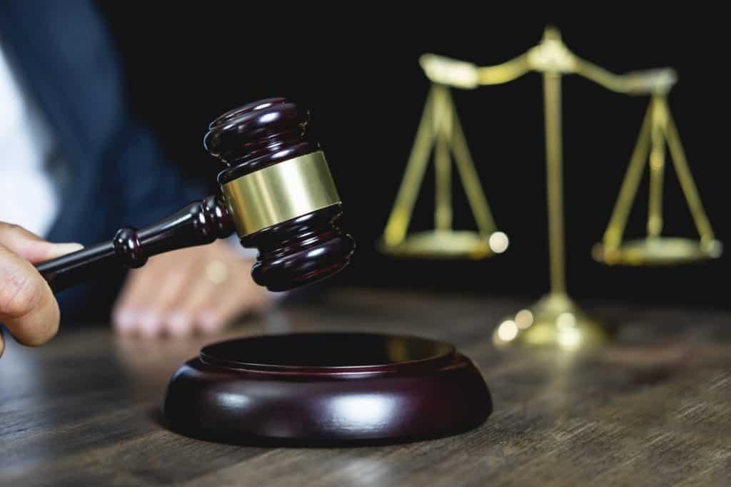 Pravna sodba sodnik